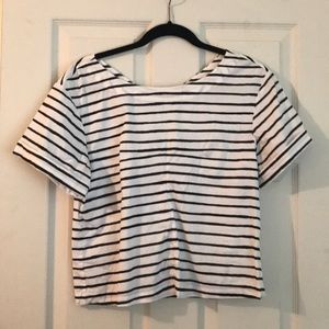 Stripped linen top with cuffed sleeves